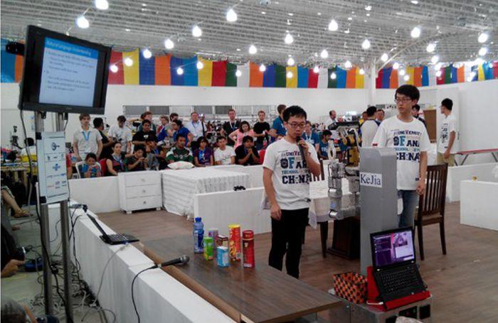 Fotografia z RoboCup Junior 2014 (foto: robocup)