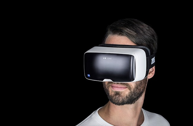 Carl Zeiss VR One. Drahšia verzia Google Cardboard