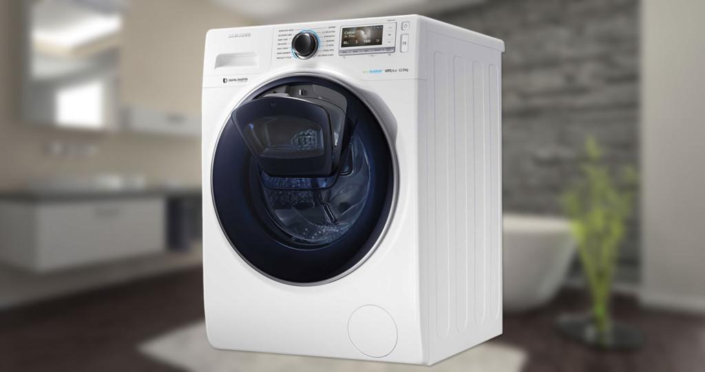 Samsung WW 8500 AddWash má dvojité dvere, aby sa oblečenie dalo pridať aj po spustení pracieho procesu.