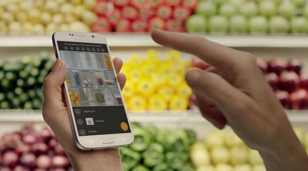 Chladnička Samsung Family Hub bude v spojení s modernými telefónmi | Foto: Samsung