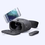 Virtuálna realita Daydream od Google spája softvér a hardvér. Na fotke je aj smartfón Pixel.