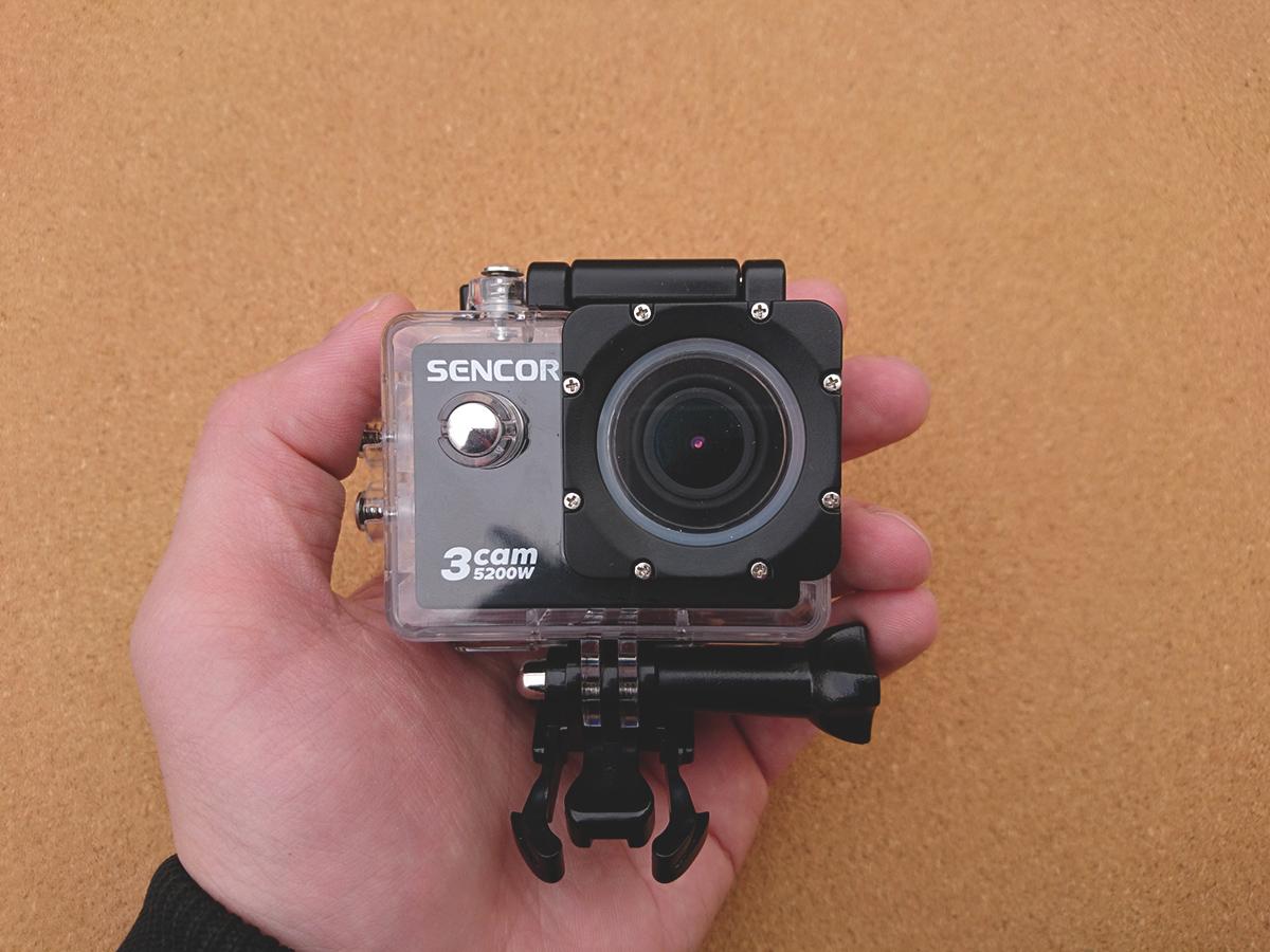 Outdoorová kamera Sencor 3CAM 5200W s vodotesným krytom, ktorý je súčasťou balenia